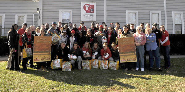 Maryland's student-athlete advisory committee joined forces with the student government association to hand out 200 Thanksgiving meals Sunday.