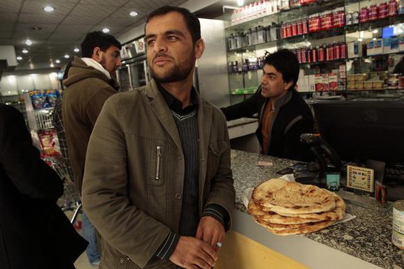 1608318_FG_1125_afghan_react_01_CMC
