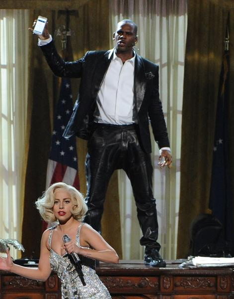"The ""American Music Awards"" show, in which singers R. Kelly and Lady Gaga performed, was the most tweeted about show on TV for the week, according to Nielsen SocialGuide."