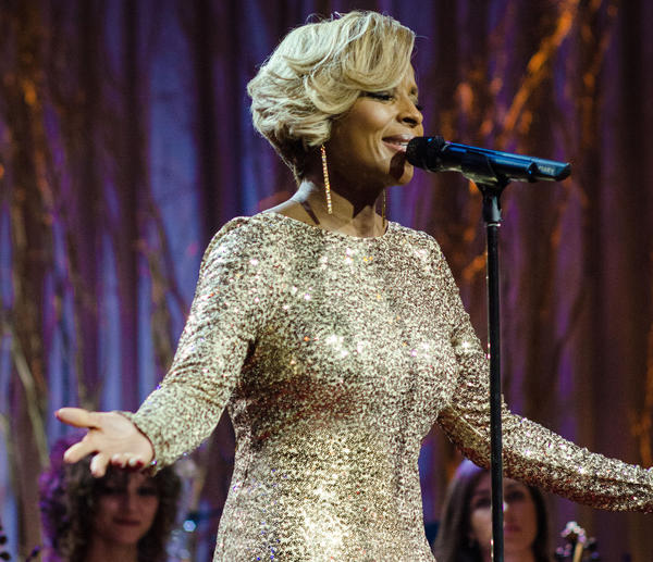 "Mary J. Blige performs on her holiday special, ""A Mary Christmas."""