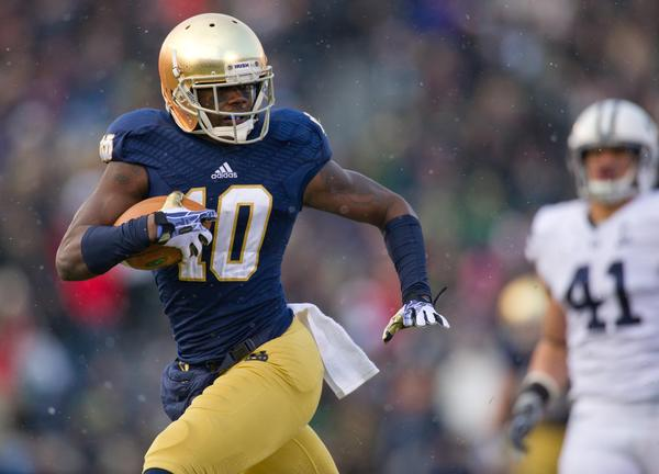 Notre Dame wide receiver DaVaris Daniels runs for a touchdown in the first quarter against BYU.