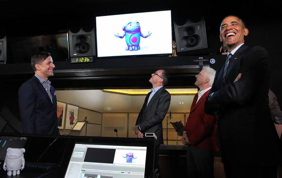 Obama visits DreamWorks, praises entertainment industry