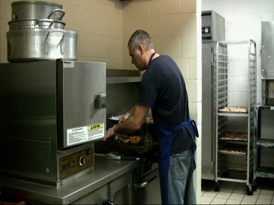 Five Star Chef Means No Ordinary Soup Kitchen Chicago Tribune
