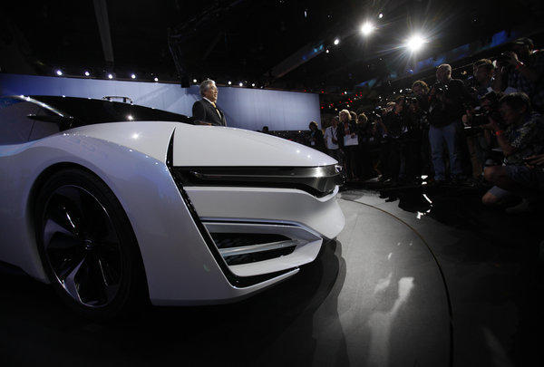 Honda unveiled the FCEV Concept car at the Los Angeles Auto Show.