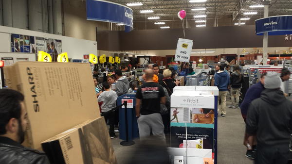 Crowds inside a Best Buy in Atwater Village on Thanksgiving.