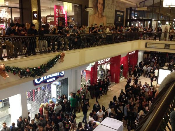 Hundreds of shoppers wait for Urban Outfitters to open at midnight at the Oaks shopping mall in Thousand Oaks.