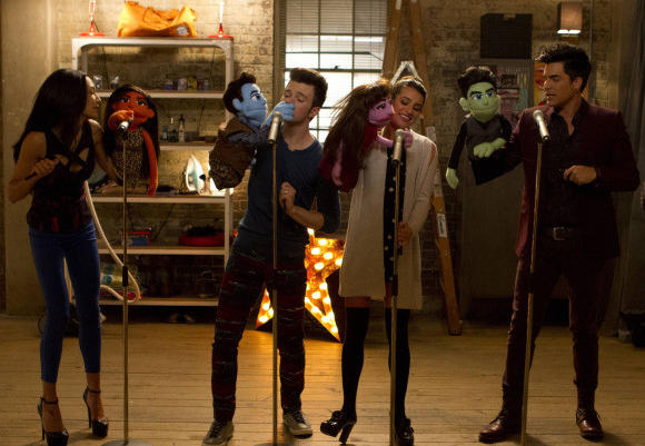 """Glee,"" scene from ""Puppet Master"" episode"