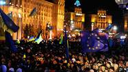 Ukraine protesters denounce rejection of EU pact