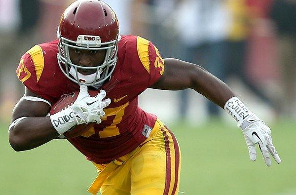 USC tailback Javorius Allen gains yards in the Trojans' 19-3 victory over Utah.