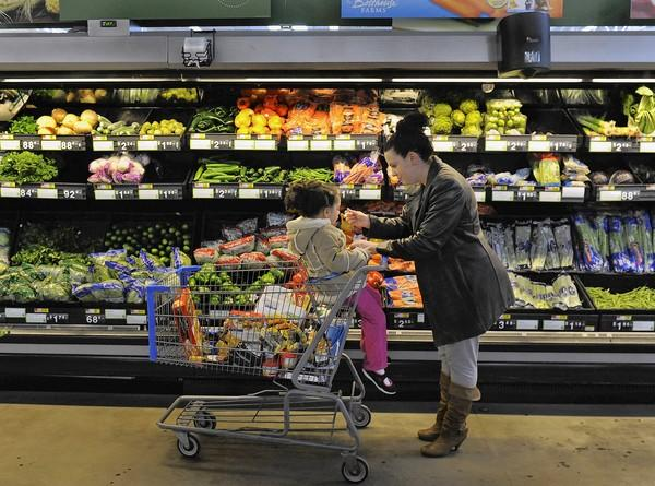 A week on the equivalent of food stamps reveals fresh produce is the grocery item hardest to buy inexpensively.