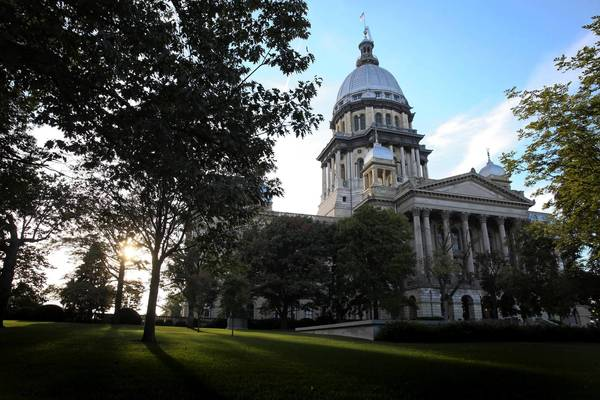 Illinois lawmakers will gather at the State Capitol on Tuesday for a vote on public pension reform. (File photo by Adam Wolffbrandt/Chicago Tribune)
