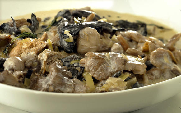 "This hearty ragout comes together in only 30 minutes.<br> <a href=""http://recipes.latimes.com/recipe-wild-mushroom-ragout/"" target""_blank&quot"
