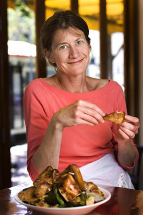 Judy Rodgers and her iconic Zuni Cafe roast chicken, in 2006