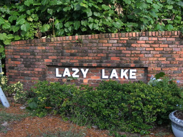 Entrance to village of Lazy Lake. (Anthony Man/Sun Sentinel)
