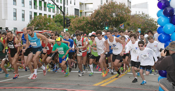 More than 2,300 participants of all ages began their Thanksgiving with a fundraising run through downtown Burbank.