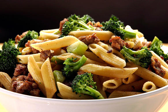 "An almost infinitely flexible recipe.<br> <a href=""http://recipes.latimes.com/recipe-pasta-with-italian-sausage-and-broccoli/"" target""_blank""> <b>Recipe: Pasta with Italian sausage and broccoli.</b></a><br>"