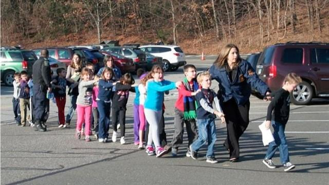 Video: Newtown 911 audio excerpts