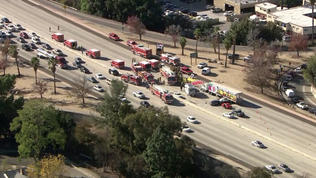 Collision shuts down Southbound 405 Freeway in Van Nuys