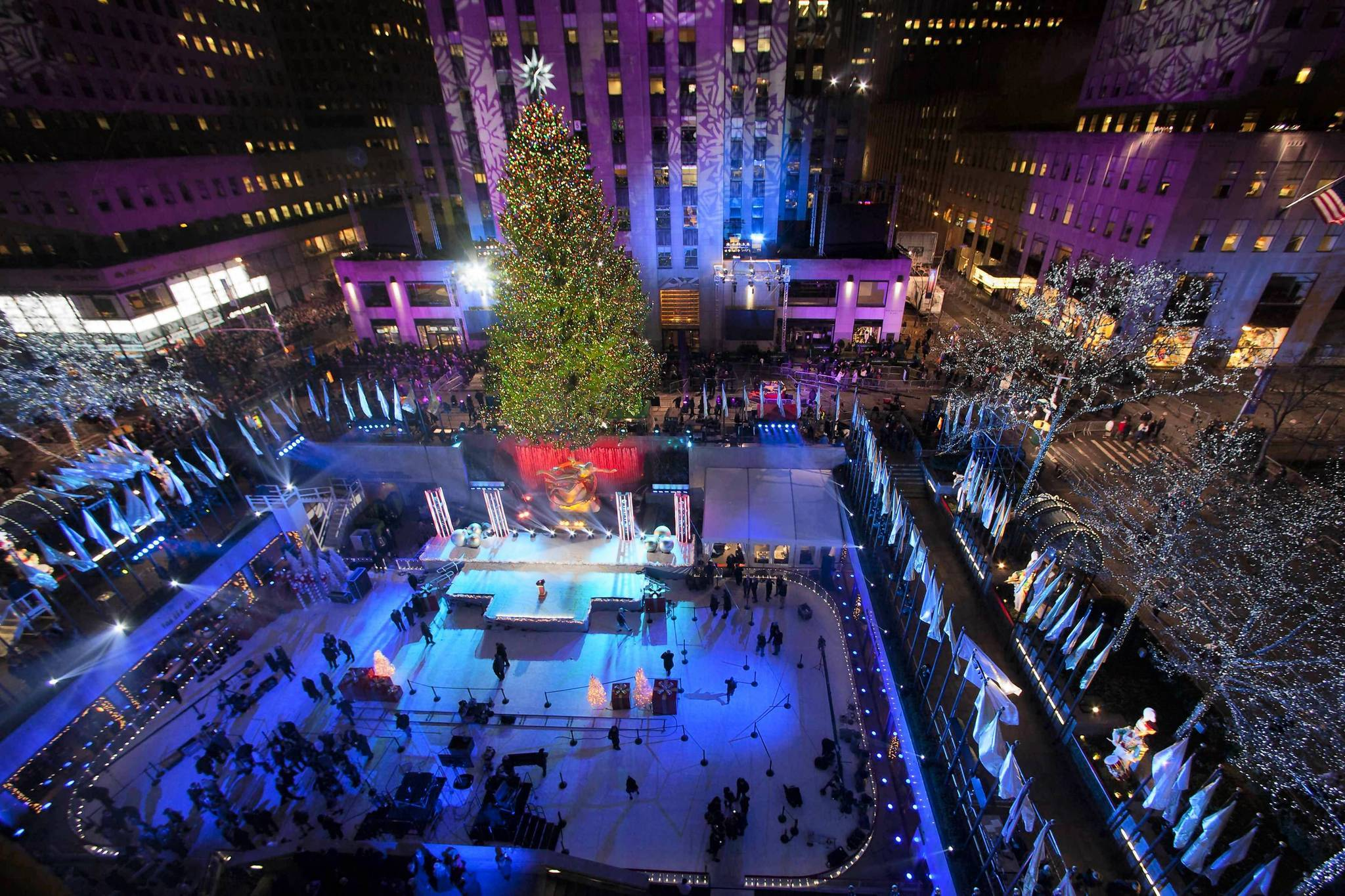 Pictures: Holiday lights from around the globe - Rockefeller Center tree lighting ceremony