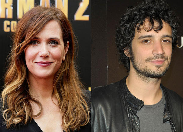 Actress Kristen Wiig and The Strokes drummer Fabrizio Moretti split in July after dating for a year and a half.