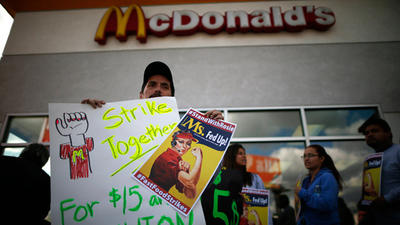 Allentown protesters not lovin' McDonald's low pay