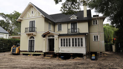 How workers are getting Capen House ready to move
