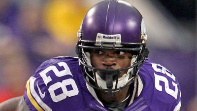 Vikings RB Adrian Peterson carted off the field with leg injury