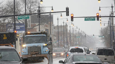 Snow fouls traffic on I-94 in Wisconsin; no major problems here