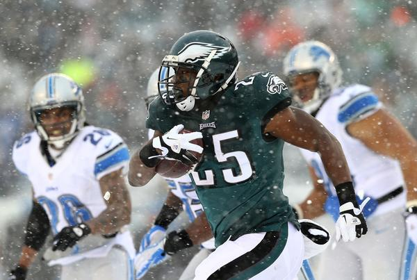 LeSean McCoy of the Philadelphia Eagles carries the ball in the third quarter against the Detroit Lions.