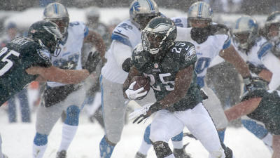 Eagles bury Lions under fourth-quarter avalanche