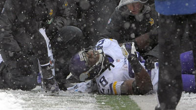 Vikings RB Adrian Peterson rips Ravens fans on Twitter
