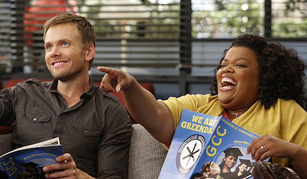 Joel McHale and Yvette Nicole Brown in 'Community'