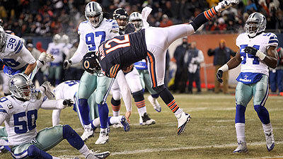 Bears' offense sizzles in 45-28 rout of Cowboys