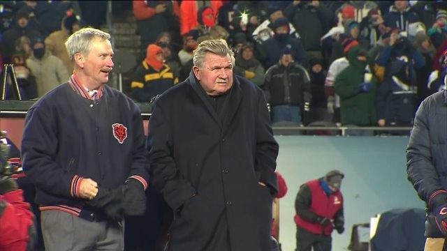Raw: Soldier Field crowd roars for Mike Ditka number retirement