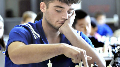 Chess masters compete in L.A. Holiday Scholastic Championship in Glendale