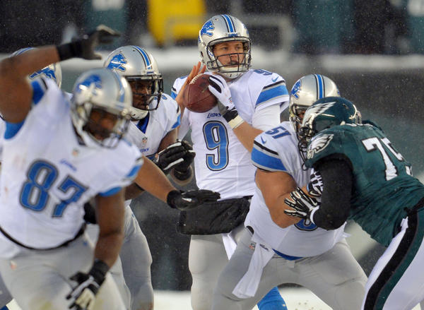Lions quarterback Matthew Stafford looks to throw the ball against the Philadelphia Eagles.