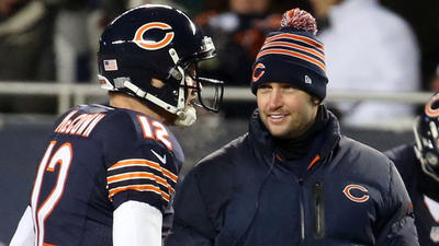 Urlacher backs McCown over Cutler