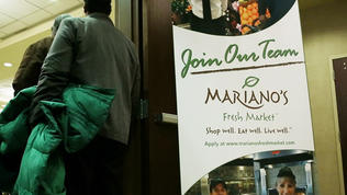 Prospective Mariano's employees apply