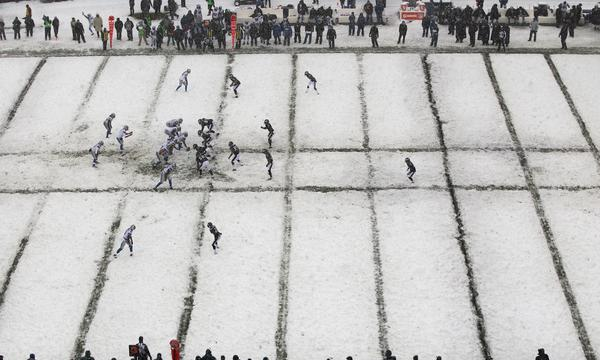 The Philadelphia Eagles and Detroit Lions play on a snow-covered Lincoln Financial Field in Philadelphia on Sunday. Will this season's Super Bowl at Metlife Stadium in New Jersey play out a similar scene?