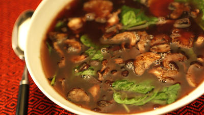 Grub's spinach-mushroom-ginger soup