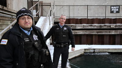 Cops pull man from icy Chicago River: 'He was completely submerged'