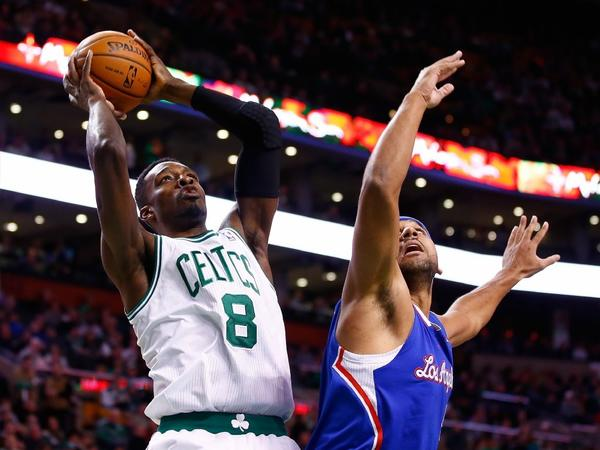 Boston Celtics Jeff Green shoots over the Clippers' Jared Dudley on Thursday.