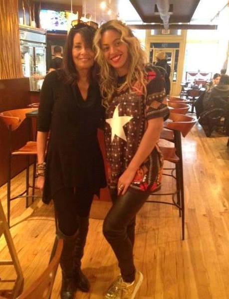 Beyonce (right) at Karyn's Cooked with owner Karyn Calabrese (left) Dec. 13, 2013.