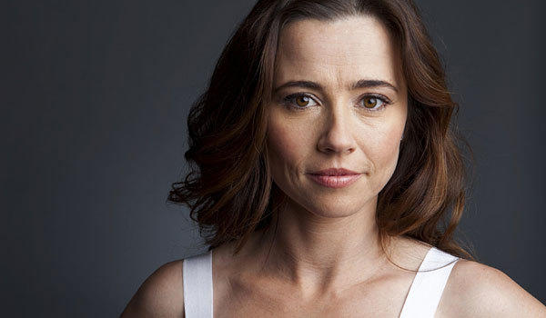 Linda Cardellini will be joining the cast of 'New Girl' as Jess's sister.