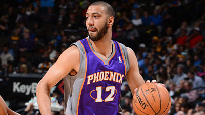 Lakers agree to terms with point guard Kendall Marshall