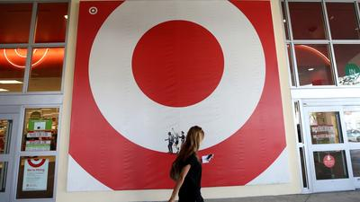 Target offering weekend discounts, free credit monitoring after data breach