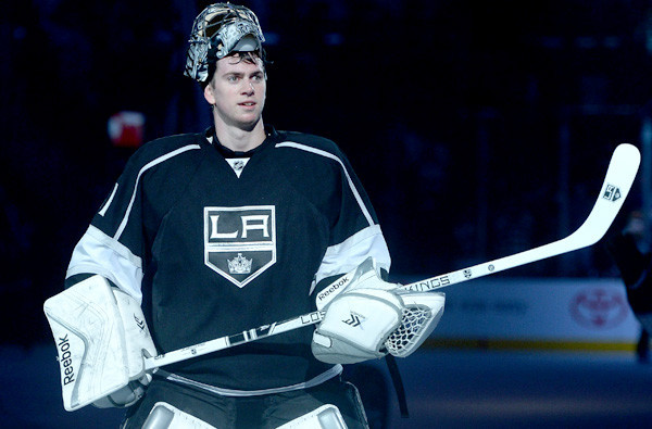 Kings goalie Martin Jones stays calm as he creates quite a buzz
