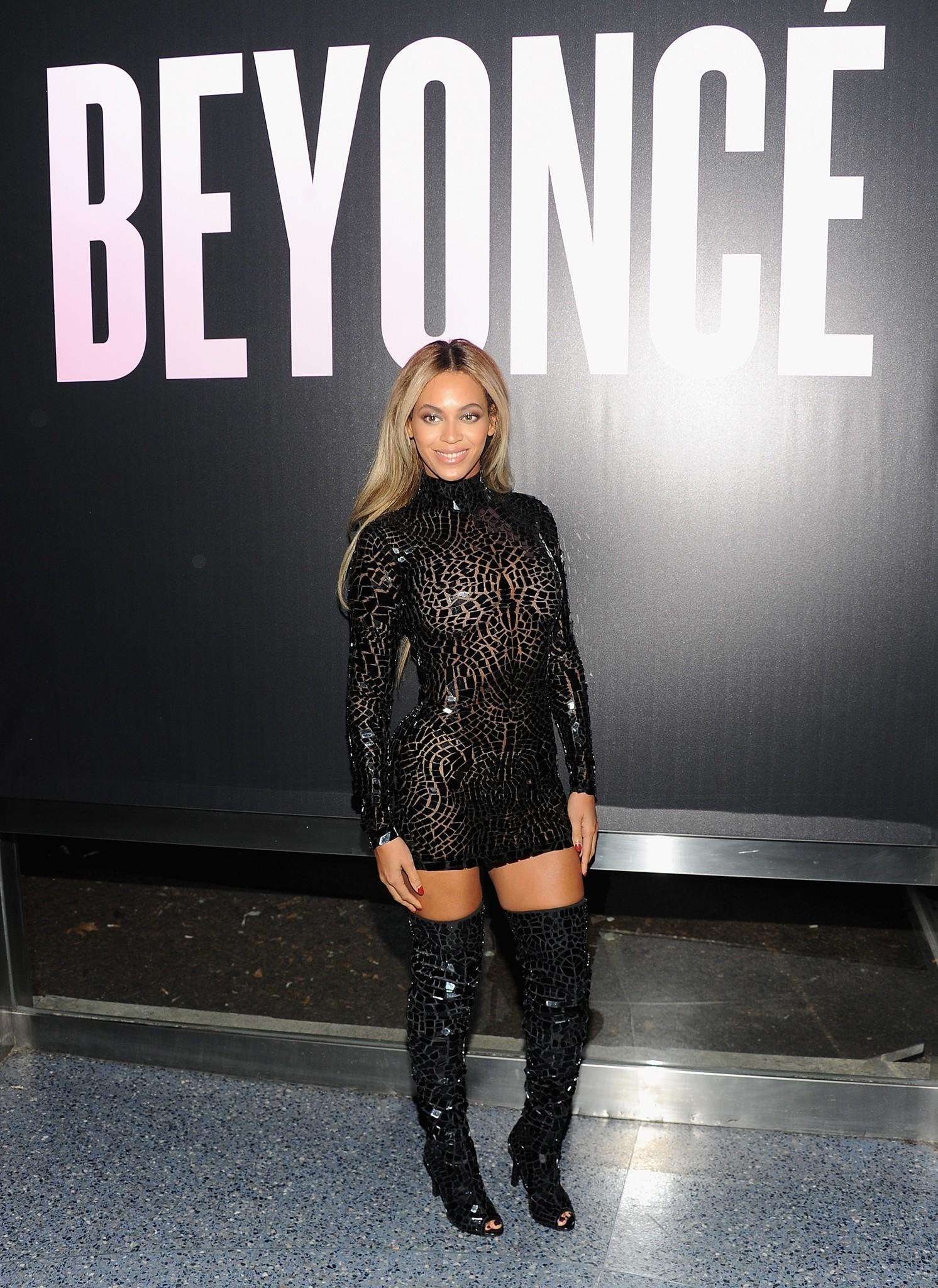 Beyonce stopped by a Wal-Mart store for a little shopping of her own, including a copy of her fifth self-titled album. Then she played Santa, paying for shoppers' purchases to the tune of $37,500.