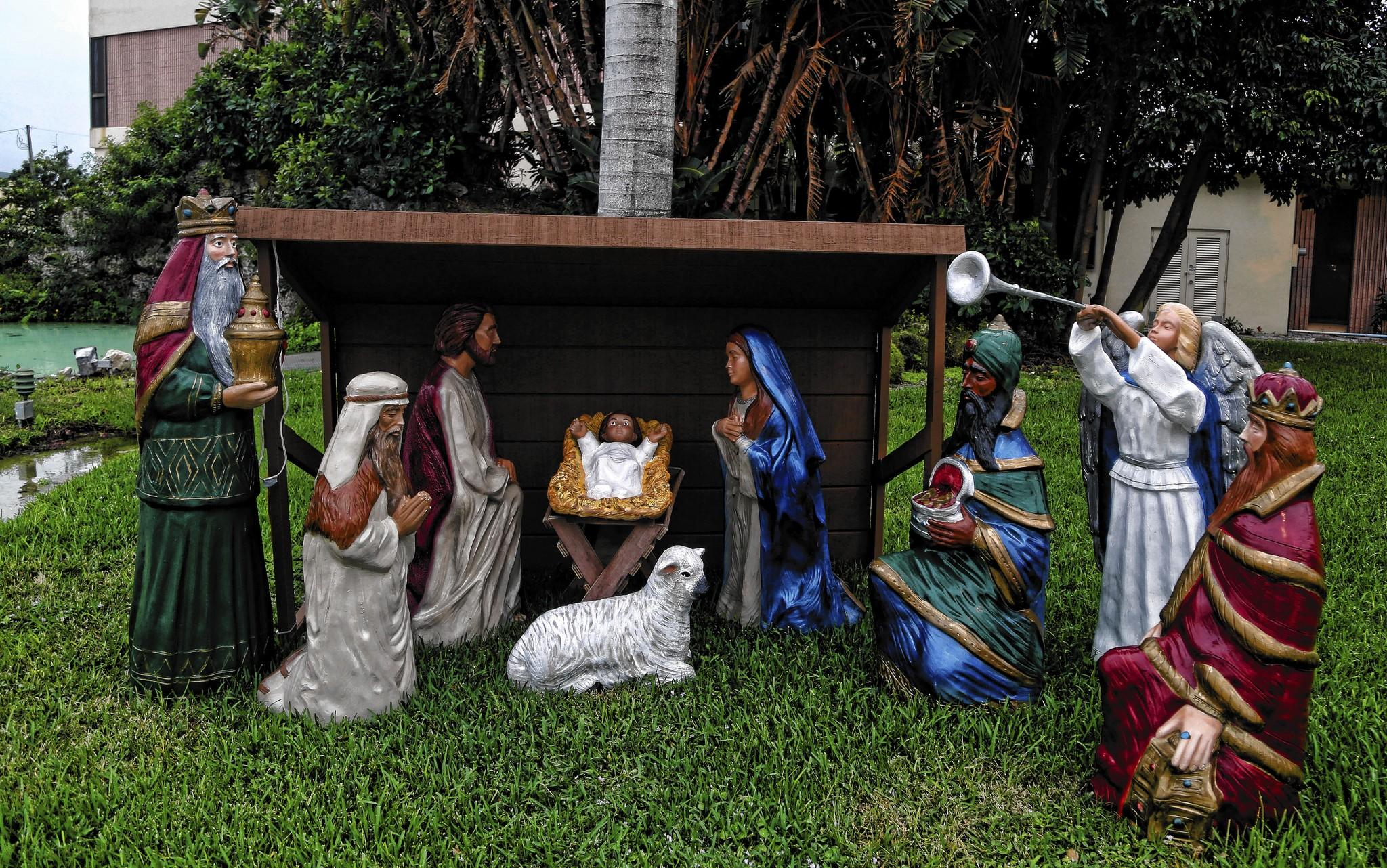 Deerfield Beach puts up nativity at mayor's behest