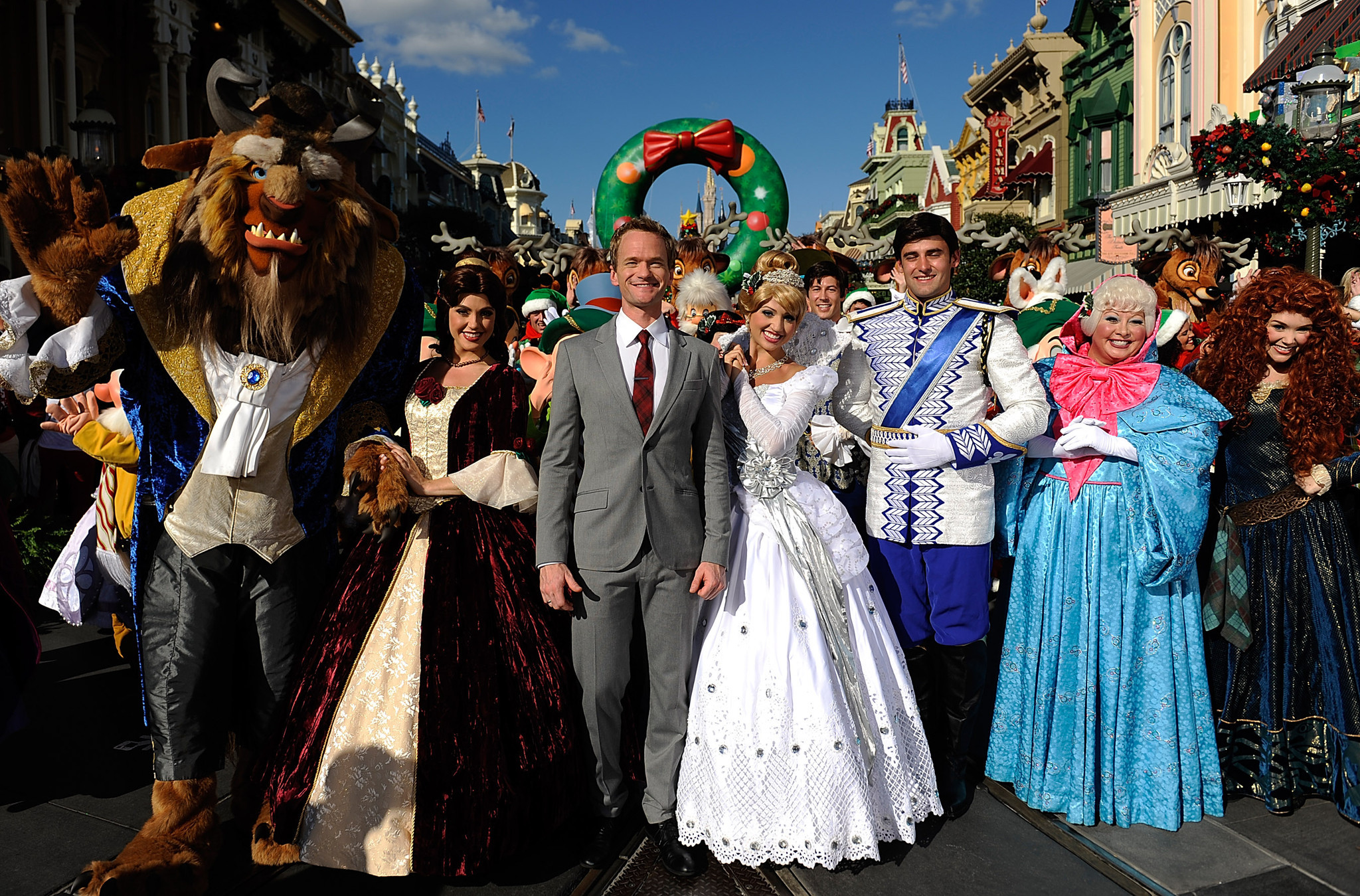 disney christmas parade has hits misses orlando sentinel